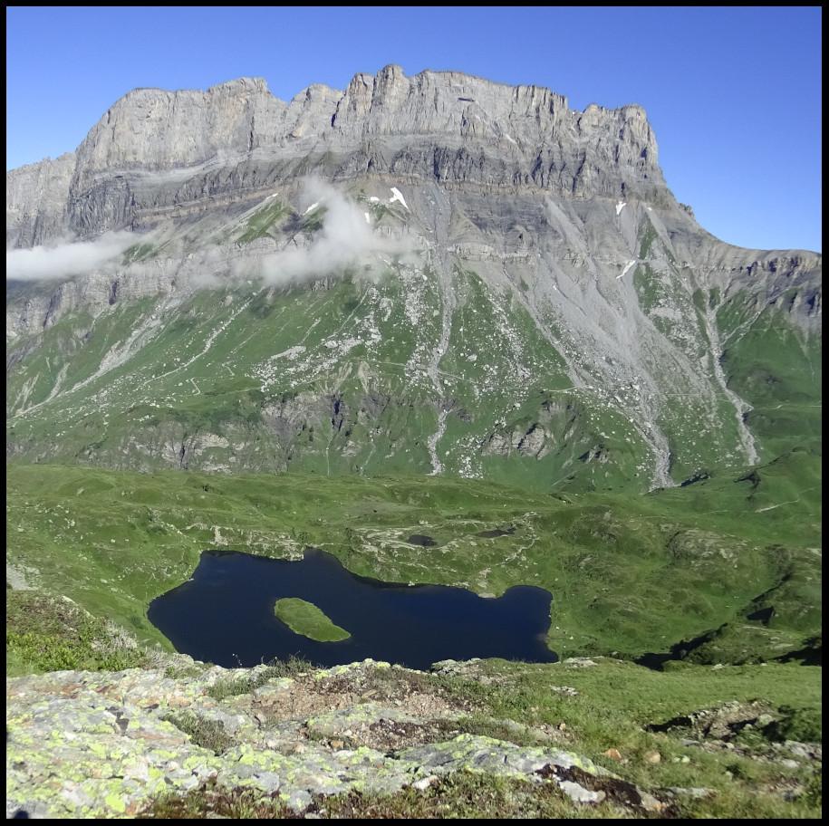 lac de Pormenaz et chaîne des Fiz